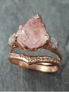 Another one for my rough gem lovers. Morganite and conflict free rough diamonds in rose gold. Another one for my rough gem lovers. Morganite and conflict free rough diamonds in rose gold. Rose Gold Engagement Ring, Diamond Wedding Bands, Raw Stone Engagement Rings, Engagement Rings Nature, Morganite Engagement, Solitaire Engagement, Cute Jewelry, Jewelry Rings, Jewelry Ideas