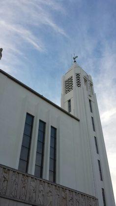 Igreja Nossa Senhora de Fátima, arquitetada por Pardal Monteiro