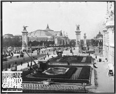 1900 World Fair in Paris. The pont Alexandre-III, the Petit Palais and the Grand Palais. Grand Palais Paris, Pont Alexandre Iii, Paris Ville, World's Fair, Old Pictures, Botanical Gardens, Paris Skyline, Images, France
