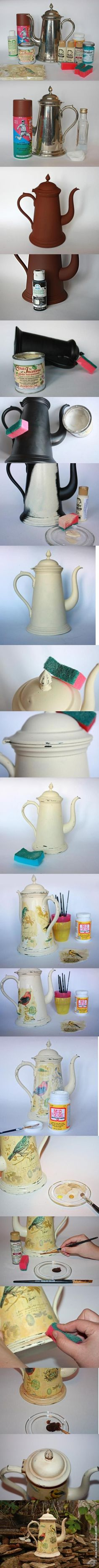 Decoupage of the old coffee pot