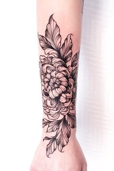 Tiny Wrist Tattoos, Tiny Tattoos For Girls, Small Forearm Tattoos, Flower Tattoos, Little Tattoos, Small Tattoos, Traditional Butterfly Tattoo, Butterfly With Flowers Tattoo, Chrysanthemum Tattoo