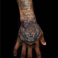 Tiger on hand - this actually looks cool... on this guy