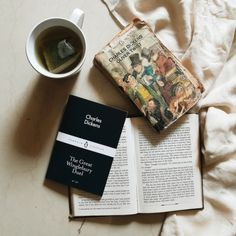 Tea, Coffee, and Books: Photo Charles Dickens Books, Books To Read, My Books, Reading Motivation, Oliver Twist, Book Aesthetic, Angel Aesthetic, Coffee And Books, Photo Instagram