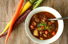 Guinness Irish Stew with Carrots http://simplesassyscrumptious.com/recipes/beef/guinness-irish-stew/