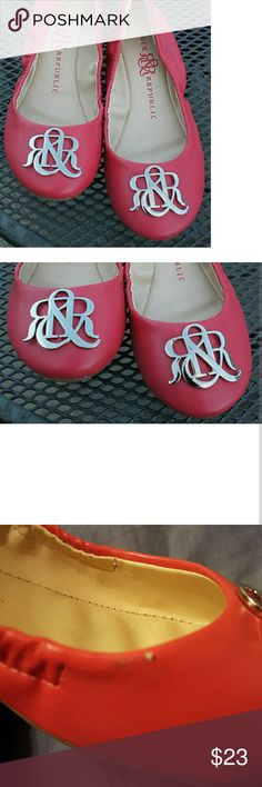 PRICE DROP!! Rock & Republic Pink Ballet Flats Super cute shoes that will get you TONS of compliments!! Save $$ and get these instead of the Tory Burch ?? Small scuff on the side shown in pic 3 but not really noticeable! Lots of tread and many miles left on these! Rock & Republic Shoes Flats & Loafers