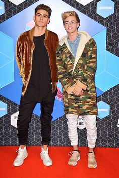 Jack & Jack at the EMA's red carpet