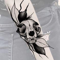 Skull Tattoos, Animal Tattoos, Black Tattoos, 1 Tattoo, Book Tattoo, Blackwork, Mexican Tattoo, Drawing Sketches, Drawings