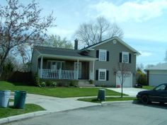 Ivy Lea Construction are the top vinyl siding installation contractors in Buffalo and all of western NY. Vinyl Siding Installation, Siding Contractors, Ivy, Garage Doors, Construction, Outdoor Decor, House, Home Decor, Building