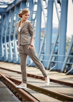 Spodnie dresowe Wygodne spodnie dresowe • 139.99 zł • Bon prix