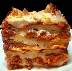Lasagna Bolognese-this is one of the best lasagna recipes you'll ever make. Homemade bolognese & bechamel sauce along with the recipe for homemade pasta noodles. I Love Food, Good Food, Yummy Food, Great Recipes, Dinner Recipes, Favorite Recipes, Lasagna Recipes, Best Meat Lasagna Recipe, Beef Recipes