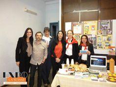 Stand en el Workshop de turismo. Alumnos de 2do. año junto a los conferencistas del Museo Casa Carlos Gardel, la Lic. Cecilia González del Dpto. de Desarrollo Profesional y Diana Arias, coordinadora de la carrera de Turismo