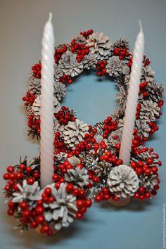 Купить Подсвечники новогодние - Заснеженные шишки и красные ягоды набор 2 шт - ярко-красный