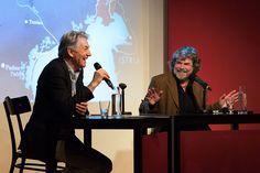 Der Erste Weltkrieg im Gebirge: LIteraturhaus-Chef Reinhard G. Wittmann und Reinhold Messner im Gespräch am 7.4.2014 (© Christian P Schmieder)