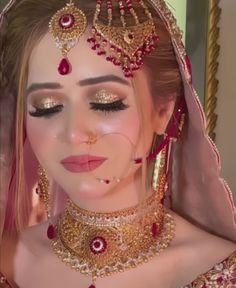 Bridal Dress Design, Bridal Style, Latest Bridal Dresses, Floral Henna Designs, Pakistani Bridal Makeup, Eye Makeup Designs, Purple Wedding Cakes, Stylish Dresses For Girls, Bride Look
