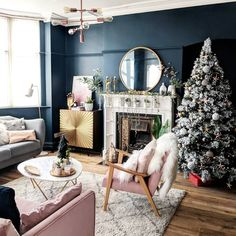 Love that gold cabinet Blue And Pink Living Room, Dark Living Rooms, My Living Room, Home And Living, Living Room Decor, Victorian Living Room, Edwardian House, Snug Room, Decoration