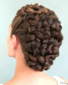 hair styles for curly hair up half down wedding hair wedding hair hair styles for shoulder length hair wedding hair dos hair jewellry wedding hair hair curls Braided Hairstyles Updo, Up Hairstyles, Pretty Hairstyles, Wedding Hairstyles, Braided Updo, Curly Hair Styles, Natural Hair Styles, Prom Hair Updo, Creative Hairstyles