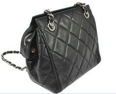 ☎ Vintage CHANEL quilted chain bag
