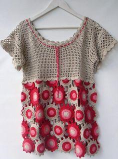 Yuvarlak motiflerle örülmüş bayan bluzları