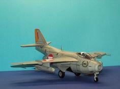 """Geli Nr.22 Saab J29 """"Tonne"""" RED I. Gebaut von Richard im Alter von 10 Jahren Tonne, Alter, Planes, Air Force, Fighter Jets, Aircraft, Red, Airplanes, Aviation"""