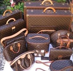 Street Styles | Fashion Designers | Casual Outfits Louis Vuitton Handbags Black Friday Cheap Sale, 2015 New Louis Vuitton Outlet Is Your Best Choice To Buy Womens Gifts, Let The Fashion Dream With LV At A Discount! #LouisVuittonHandbags #Black #Friday