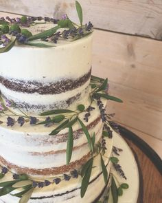 wedding cakes lavender Semi naked wedding cake decorated with delicate lavender and olive for Sophie and Duncan vallumweddings Congratulations to all our Daffodil Wedding, Lavender Wedding Theme, Olive Wedding, Wedding Cake Fresh Flowers, Spring Wedding Colors, Dream Wedding, Wedding Colours, Wedding Things, Summer Wedding