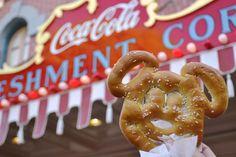 Utah residents use Memorial Weekend as a time to get away and indulge themselves with Disneyland's magical food. College Food Hacks, College Meals, Memorial Weekend, Good Foods To Eat, Caramel Apples, Disneyland, Tasty, Utah, Colors