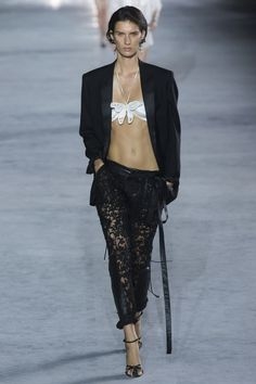 Saint Laurent Spring 2018 Ready-to-Wear Fashion Show
