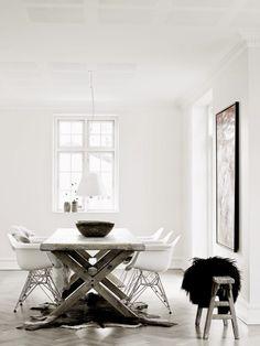 Un poco de la combinación entre arquitectura minimalista, rústica y el contraste de lo moderno. Artículos que se encuentran en imuebles.mx