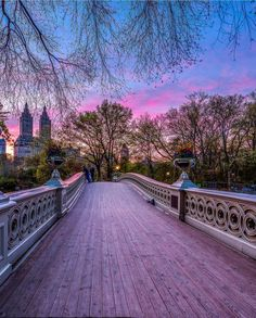 いいね!67.8千件、コメント447件 ― Wonderful Placesさん(@wonderful_places)のInstagramアカウント: 「Bow Bridge, Central Park - New York ✨💜💜💜✨ Picture by ✨✨@killianmoore✨✨ . #wonderful_places for a…」