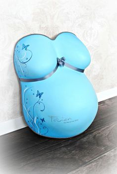 unikati – Erinne… Baby belly plaster cast restored and painted by unikati.ch, unikati – memories for life Pregnant Belly Cast, Belly Cast Decorating, Bump Painting, Belly Casting, Pregnancy Books, Baby Belly, Creative Memories, Baby Bumps, Educational Toys