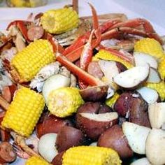 famous in the low country of georgia and south carolina. this boil is done best on an outdoor cooker. it has sausage, shrimp, crab, potatoes and corn for an all-in-one pot all-you-can-eat buffet! I wanna have a boiled party !!!!