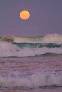 Ocean Waves & A Full Moon in the Sky Nature Aesthetic, Beach Aesthetic, Aesthetic Collage, Aesthetic Photo, Aesthetic Pictures, Aesthetic Painting, Aesthetic Outfit, Aesthetic Dark, Aesthetic Clothes
