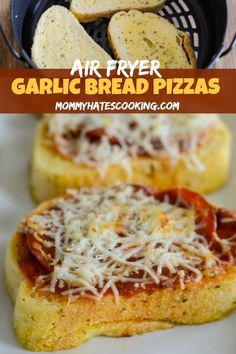 Make dinner in 5 minutes with this Air Fryer Garlic Bread Pizza Toast! It's easy and tasty for dinner. A great one to teach the kids to cook too, plus enjoy an Air Fryer Pizza with this Air Fryer Recipe! Air Fryer Recipes Snacks, Air Fryer Recipes Low Carb, Air Fryer Recipes Breakfast, Air Fry Recipes, Air Fryer Dinner Recipes, Gourmet Recipes, Pizza Recipes, Easy Recipes, Appetizer Recipes
