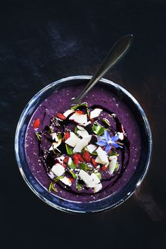 Smoothie Bowl Recipe//In need of a detox? 10% off using our discount code 'Pin10' at www.ThinTea.com.au