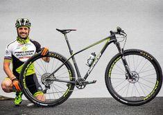 Wettkampf-Bikes der Olympia-Stars: José Hermidas auf Merida Big Nine Team Merida Bikes, Xc Mountain Bike, Mtb Bicycle, Cycling, Cars, Sports, Mountain, Biking, Earth