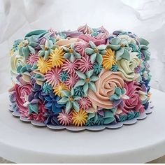 This article has collected a number of the latest female-themed birthday cakes. You can choose one based on the age and preferences of female friends. What are you waiting for, give her a good memory! Pretty Cakes, Cute Cakes, Beautiful Cakes, Amazing Cakes, New Birthday Cake, Themed Birthday Cakes, Female Birthday Cakes, Flower Birthday Cakes, Birthday Desserts