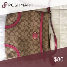Purse Like new used twice. No scratches or scuffs, inside the bag is brand new, no stains. Coach Bags Crossbody Bags