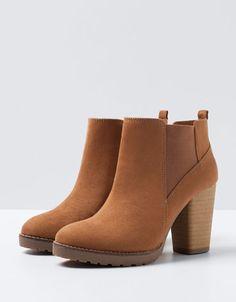 Bershka Bosnia and Herzegovina - Bershka elastic heeled ankle boots Ankle Boots, Heeled Boots, Bootie Boots, Shoe Boots, Shoes Heels, Camel Boots, Pretty Shoes, Beautiful Shoes, Cute Shoes