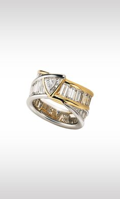 Bermude, 1988: ring of 30 baguette cut diamonds chasing one another along two tracks, in platinum or yellow gold, converging in the surprising center.