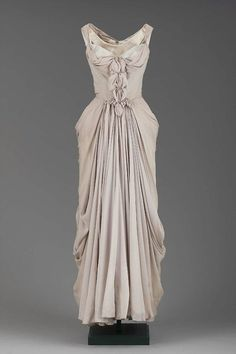 Evening Dress Charles James, 1951 The Museum of Fine Arts, Boston