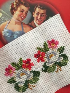 Cross Stitch Charts, Cross Stitch Patterns, Wool Embroidery, Small Leaf, Cross Stitch Flowers, Christmas Sweaters, Diy And Crafts, Projects To Try, Quilts