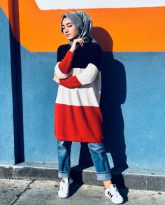 Pinterest: @adarkurdish Hijab Style, Hijab Chic, Modesty Fashion, Abaya Fashion, Islamic Fashion, Muslim Fashion, Collage Outfits, Chic Outfits, Fashion Outfits
