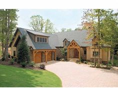 Craftsman House Plan with 3132 Square Feet and 4 Bedrooms from Dream Home Source | House Plan Code DHSW41638