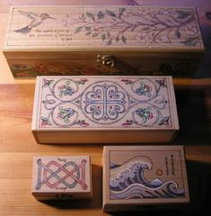 Wood Projects Various boxes decorated by the author. - There is a proper way to color your wood burning project without raising the grain of the wood. This article explores the technique more in depth. Wood Burning Tips, Wood Burning Techniques, Wood Burning Crafts, Wood Burning Patterns, Wood Crafts, Wood Burning Projects, Wood Burning Stencils, Painting Techniques, Easy Woodworking Projects