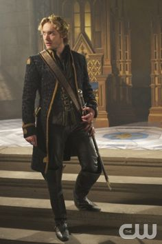"""Reign -- """"Terror of the Faithful"""" -- Image Number: RE208a_0374.jpg -- Pictured: Toby Regbo as King Francis II -- Photo: Sven Frenzel/The CW -- © 2014 The CW Network, LLC. All rights reserved."""