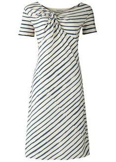 Love this summer dress.
