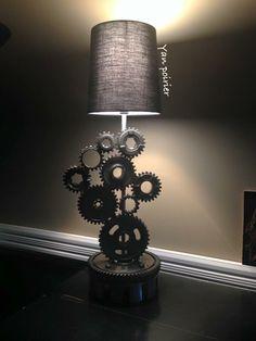 Gear lampe Scrap Metal Art, Sculpture, Sconces, Wall Lights, Lighting, Home Decor, Chandeliers, Appliques, Light Fixtures