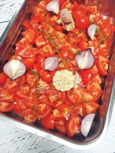 Tomatensoep, vers & makkelijk zelf te maken made by ellen Soup Recipes, Vegetarian Recipes, Healthy Recipes, Yummy Veggie, Yummy Food, Bio Food, L5r, Happy Foods, Easy Family Meals