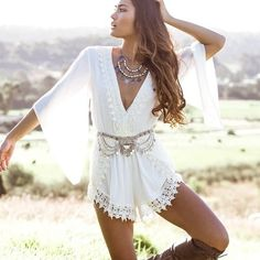 Australian Boutique Lace Romper *NEW* Brand new! Purchased from an Australian boutique! Size 8 is a us size small! Lace detailing! NO TRADES Showpo Pants Jumpsuits & Rompers