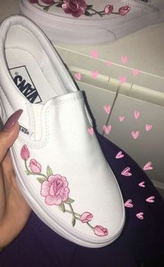 Vans shoes with embroidered pink roses. Vans shoes with embroidered pink roses. Cute Vans, Cute Shoes, Me Too Shoes, Trendy Shoes, Casual Shoes, Sock Shoes, Shoe Boots, Shoes Heels, Rose Vans Shoes